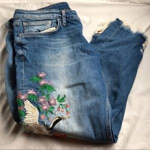 Zara Distressed Embroidered Mom Jeans || US 10